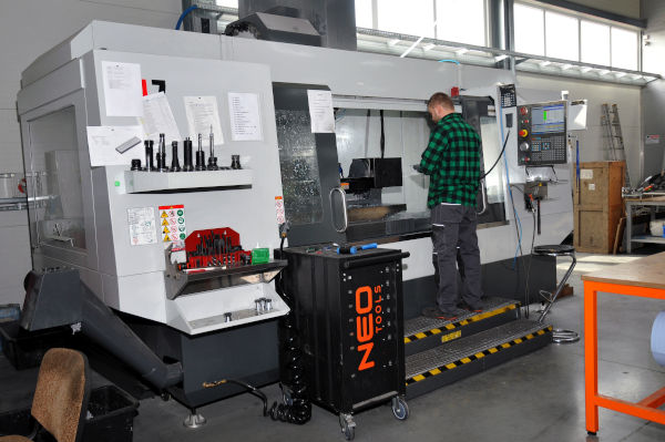 Drehmaschine-Späne-Meißel-Bearbeitungcenter