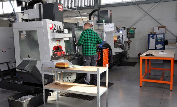 Fräsmaschine-Zerspanung-CNC-Bearbeitung